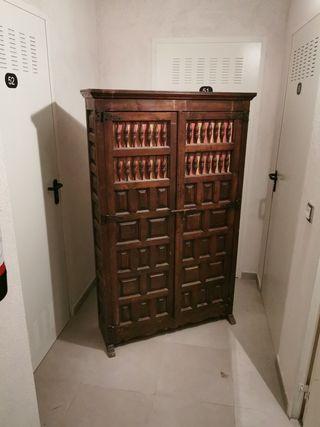 mueble armario castellano