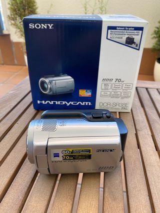 Videocámara Sony Handycam de 70GB