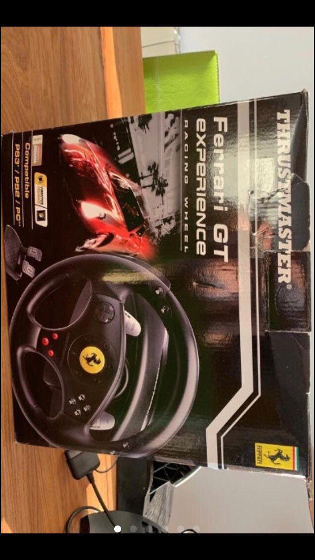 Volante Ferrari y pedales