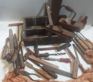 Caja de herramientas carpintero.Conjunto