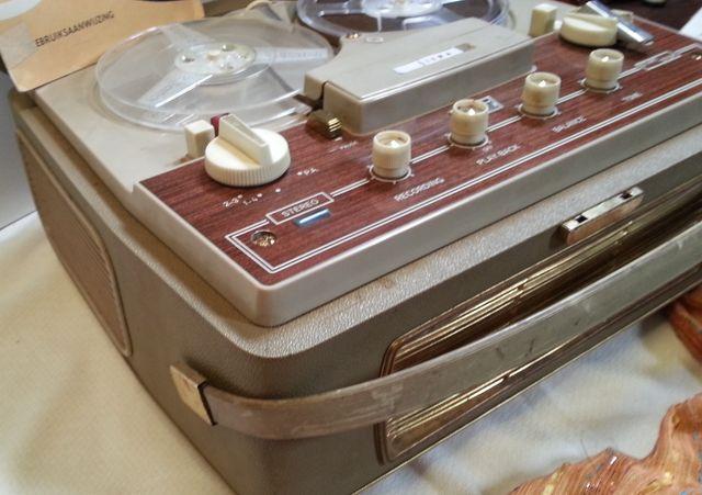 Grabadora Marca SIERA. Años 60. Precioso aparato
