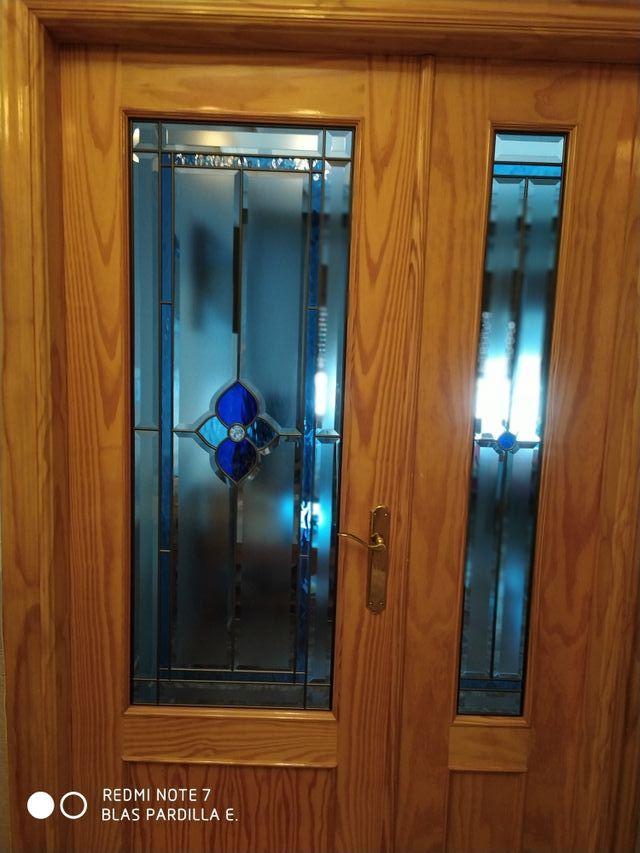 Vendo puertas interiores pino