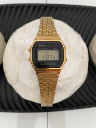 Reloj Casio dorado de segunda mano en la provincia de Girona