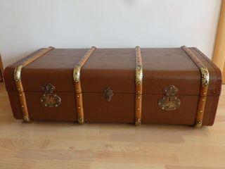 baul restaurado, maleta de viaje,arca, arcon