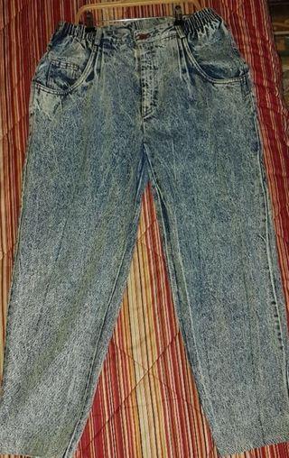 pantalón vintage lavado al ácido