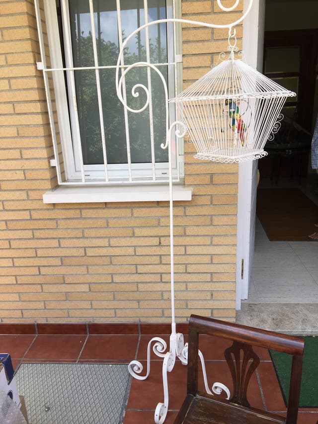 Pie y jaula pájaros hierro forjado artesanal,