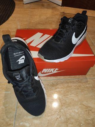 Zapatillas Nike Air Max Motion Low, 41
