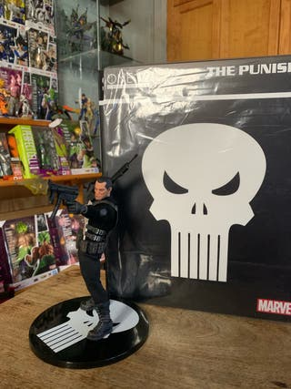 Mezco one:12 Punisher