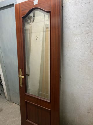 Puertas de madera maciza (castaño)
