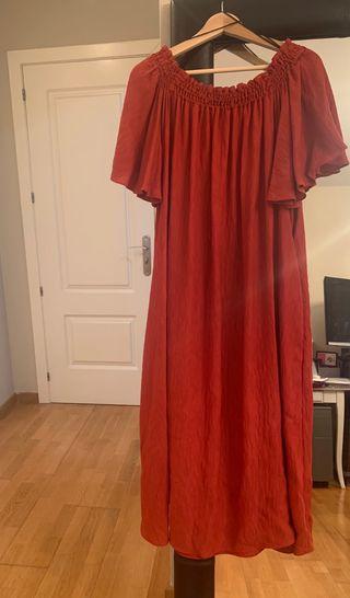Vestido color rojo apagado