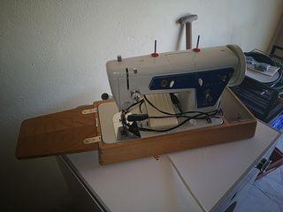 Maquina de coser portátil SINGER 801-Z2