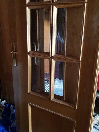 Puertas de madera color roble
