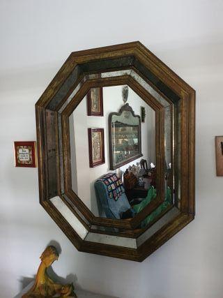Espejo antiguo veneciano de calidad.