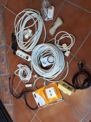 lote cables y enchufes