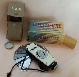 Flash de cámara vintage. Marca YASHICA LITE.