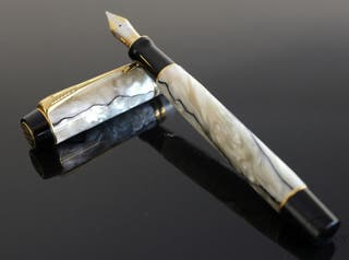 Parker Duofolf Pearl and Black pluma