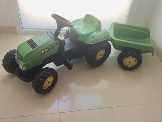 Tractor con remolque para niños