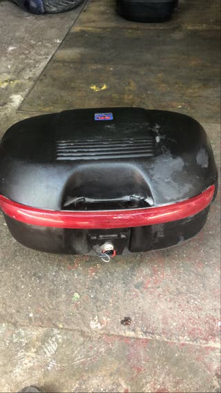 Baul / maleta para 2 cascos