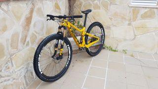 Cuadro carbono para bicicleta de doble suspensión