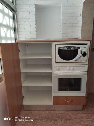 armario con horno y microondas integrado
