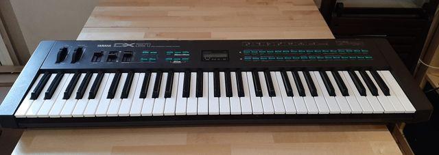 Sintetizador Yamaha DX21