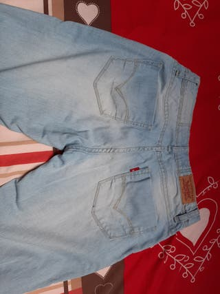 Jean levi's taille 16 ans
