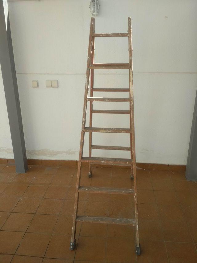 Escalera madera electricista, pintor, escayolista