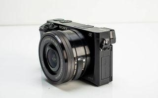 Sony a6000 + 16-50