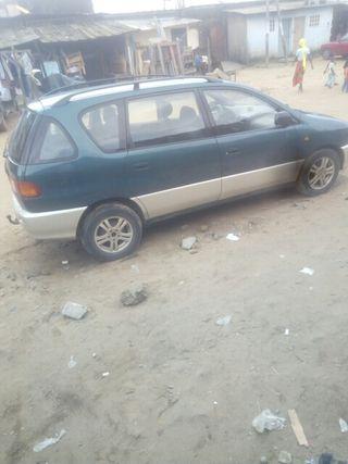 Toyota Picnic 2000