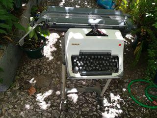 máquina de escribir antigua, OLYMPIA
