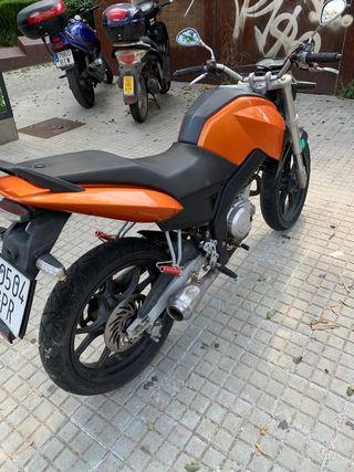 Yamaha Hispania snakd 125cc 4t