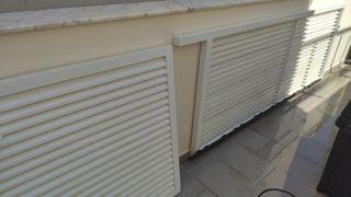puerta para chalet de aluminio blanco