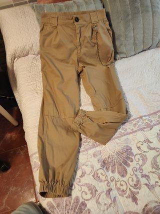 pantalon tipo cargo stradivarius taya L