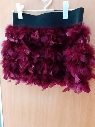 Falda plumas color vino