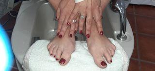 pedicura y manicura esmaltes emipermanente