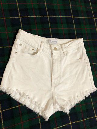 Short blanco by Zara