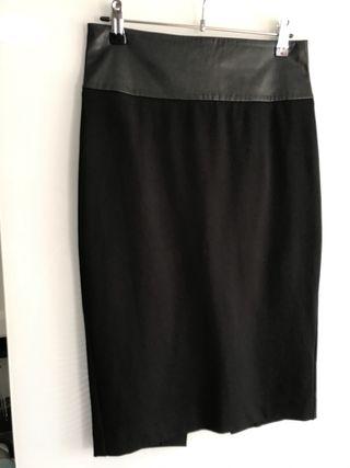 Falda S tubo negra Marciano