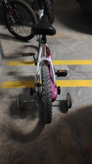Bicicleta infantil a partir de 4 años