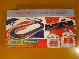 Scalextric gigante vodafone McLaren Mercedes