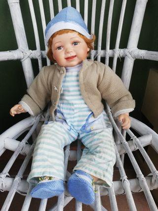 muñeco antiguo de porcelana