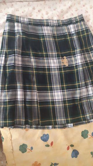 falda talla 18 colegio Madre Josefa campos