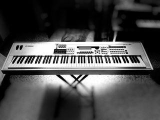 Piano Sintetizador Yamaha MO8