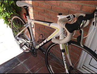 GT Series4 - Bicicleta de carretera impoluta