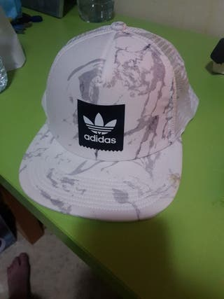 Gorra Adidas trucker blanca
