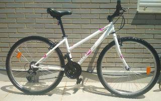 Bicicleta mujer Rockrider 5.0. Lady nueva