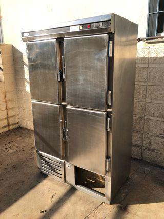 Nevera industrial vertical 4 puertas 120x70