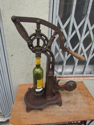 Encorchadora manual hierro fundido antigua funcion