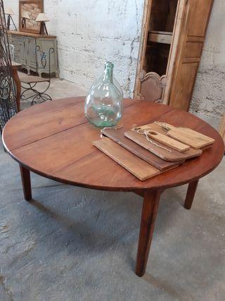 Mesa antigua rústica