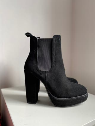 Suede H&M black suede boots high heel. Size 5 (38)