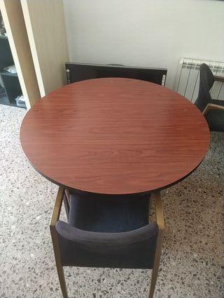 Mesa circular + sillas